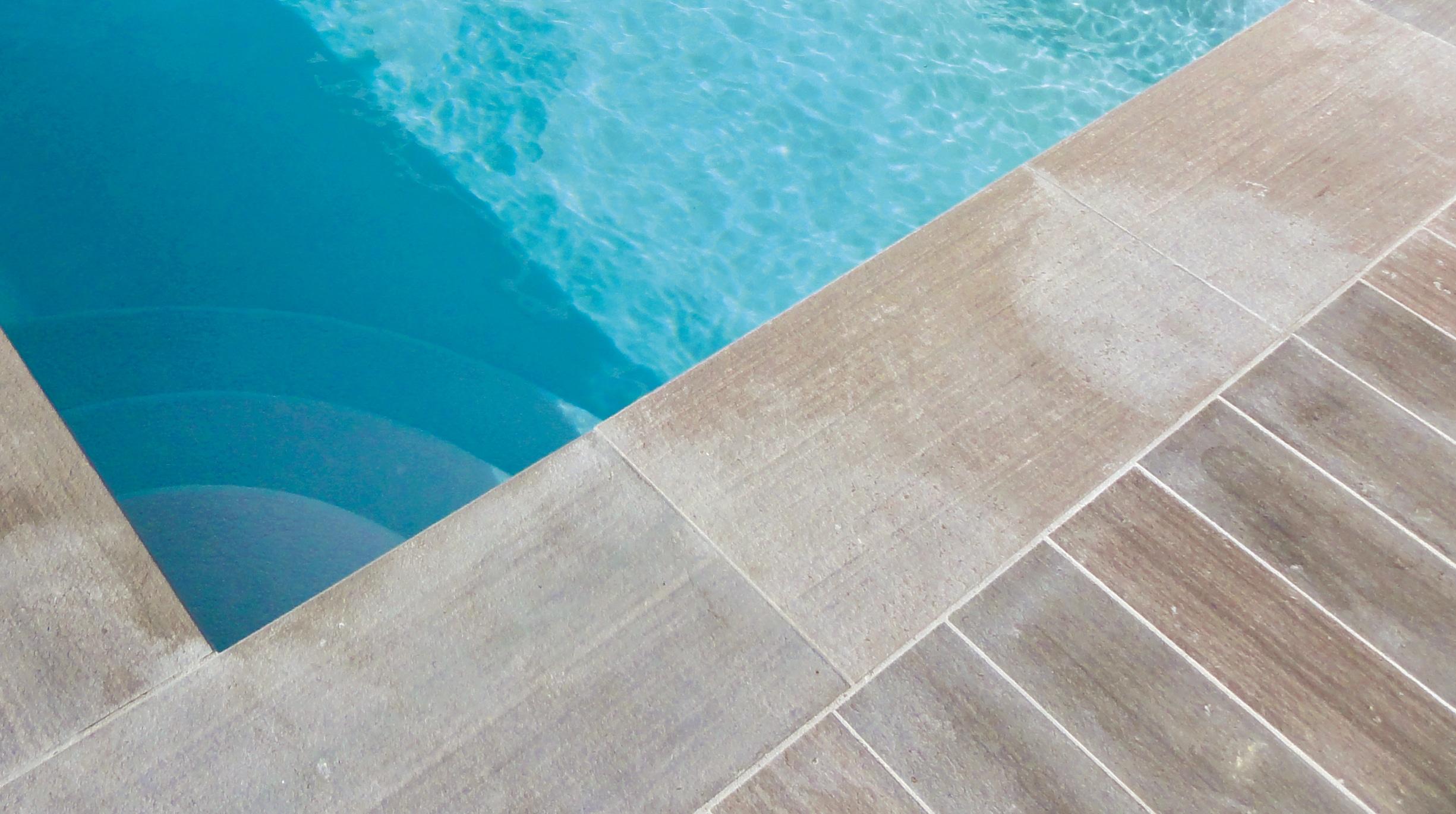 carrelage Comment choisir le revêtement autour de sa piscine ?