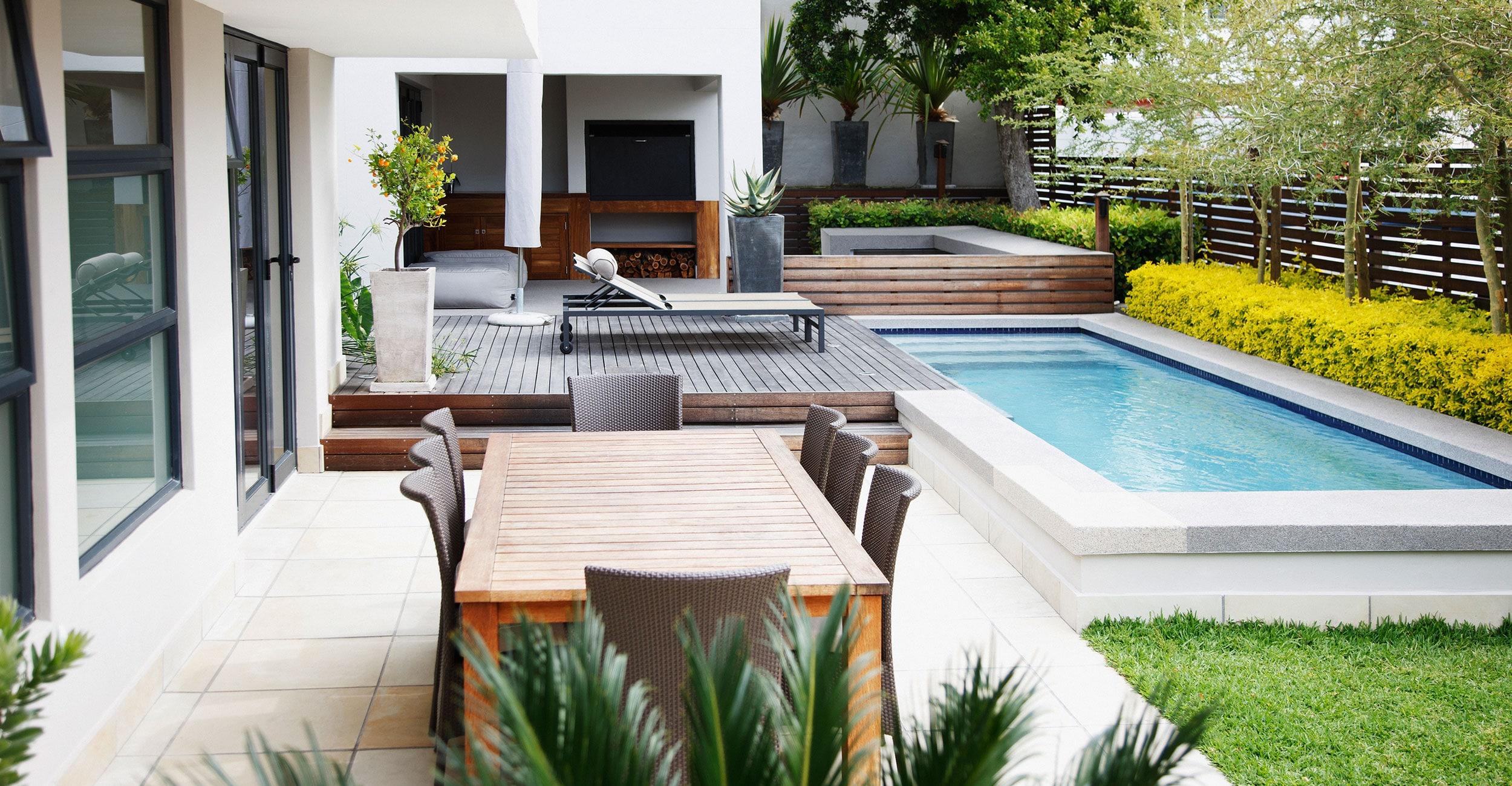 gp_sobre_2500x1300px Idées de décoration pour aménager son espace piscine à coque