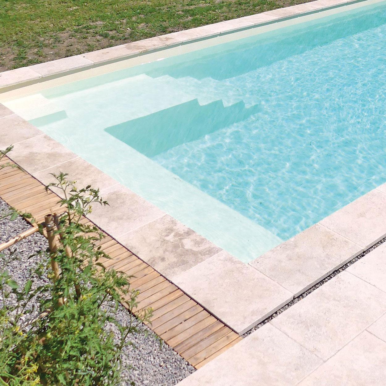 realisation-piscine-coque-mont-louis-alt Modèle Mont Louis