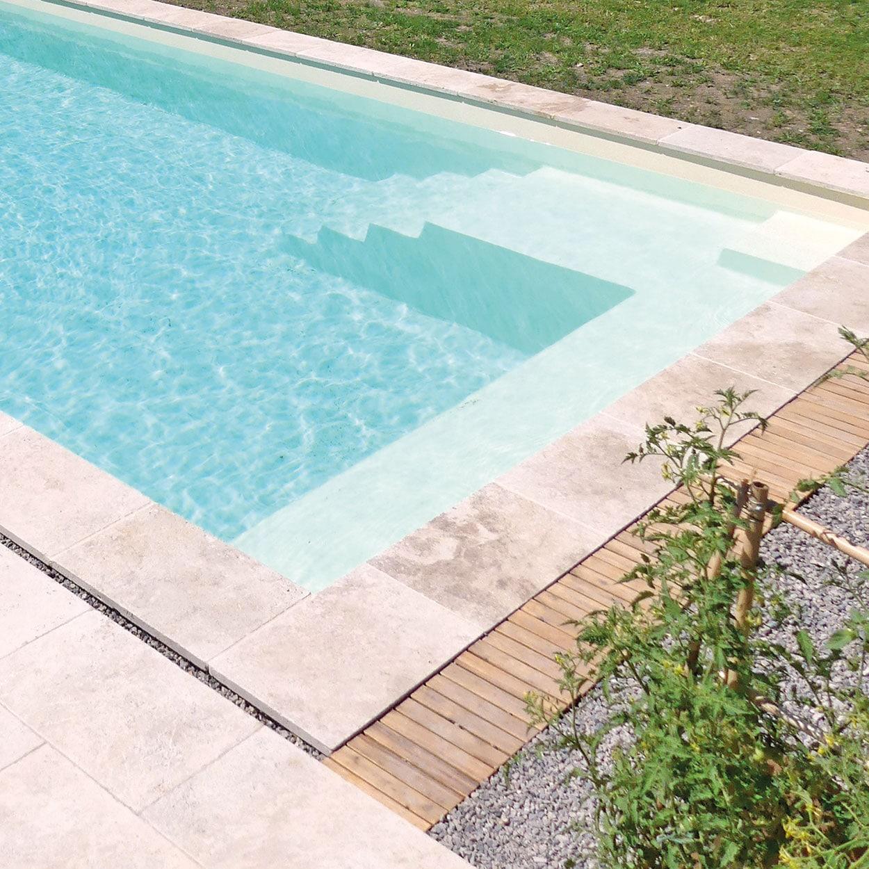 realisation-piscine-coque-mont-louis Modèle Mont Louis