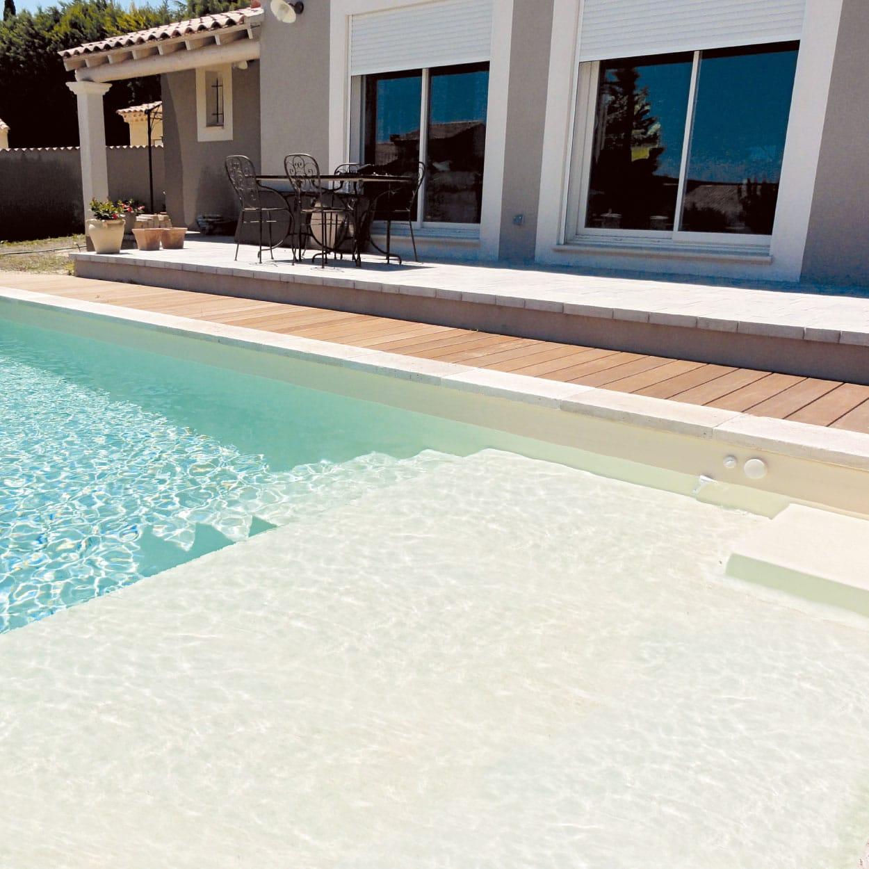 piscine coque  u00e0 fond plat  mod u00e8le prado plage