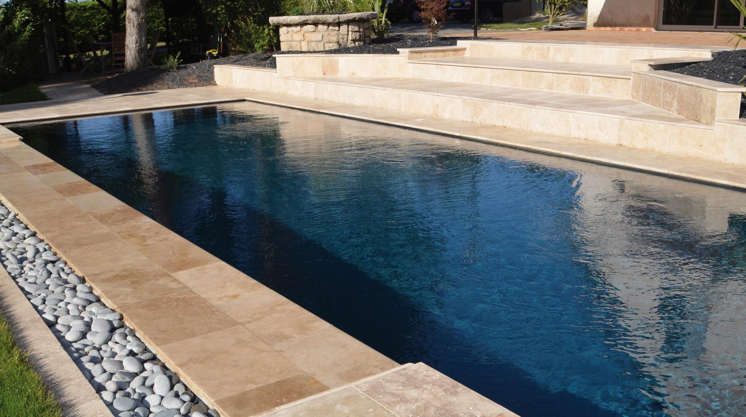 revetement-mineral Des piscines familiales design conçues pour s'amuser et se détendre